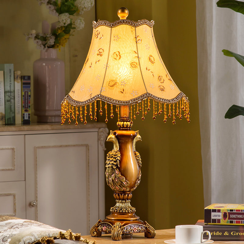 Free Shipping 65cm Retro Vintage A Pair Of Peacocks Desk Lamp Resin Table Light Bedroom Living Room