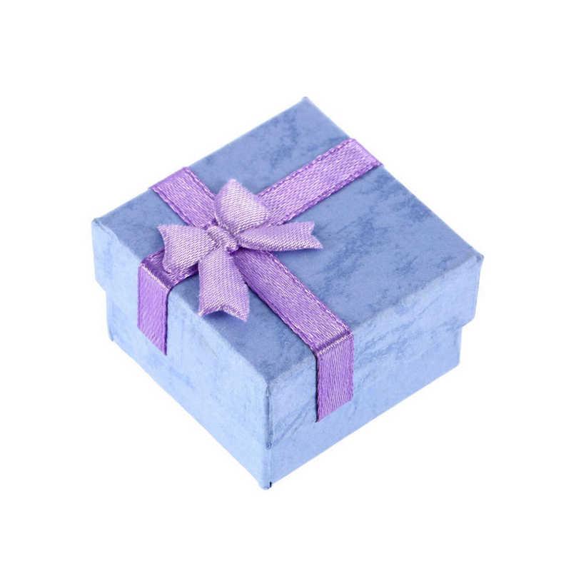 Mode Bunte 1 STÜCK Neue 4*4 cm Jewery Organizer Box Ringe Speicher Niedlich Box Kleine Geschenkbox Für ringe Ohrringe 4 Farben
