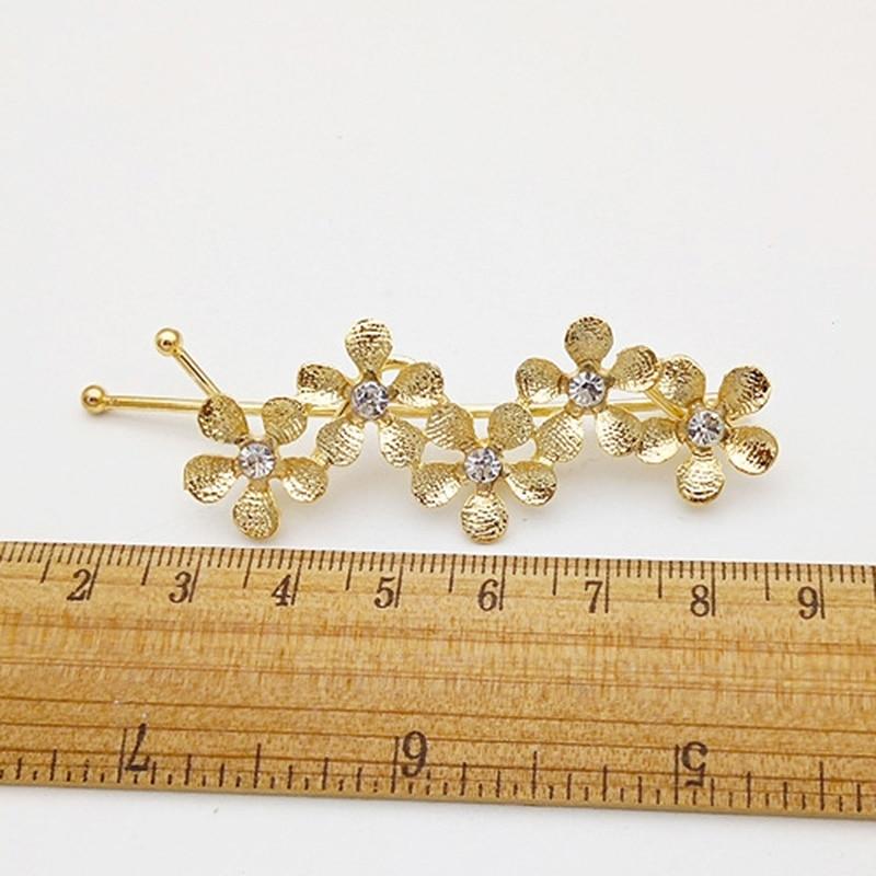 Купить с кэшбэком Hot Sale Women Girls Fashion fresh  flower shape with crystal Hair Clips alloy Hairpins Female Hair Styling Accessories F023
