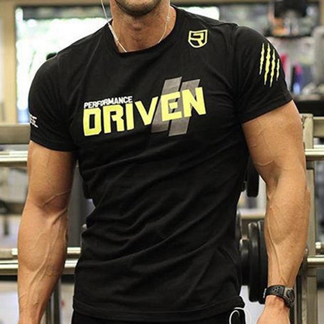 9271a2dac94 Mannen Strakke Stretch Fitness Bodybuilding T-Shirt Letters Printing  Crossfit Streetwear Workout Slanke Sportscholen Korte