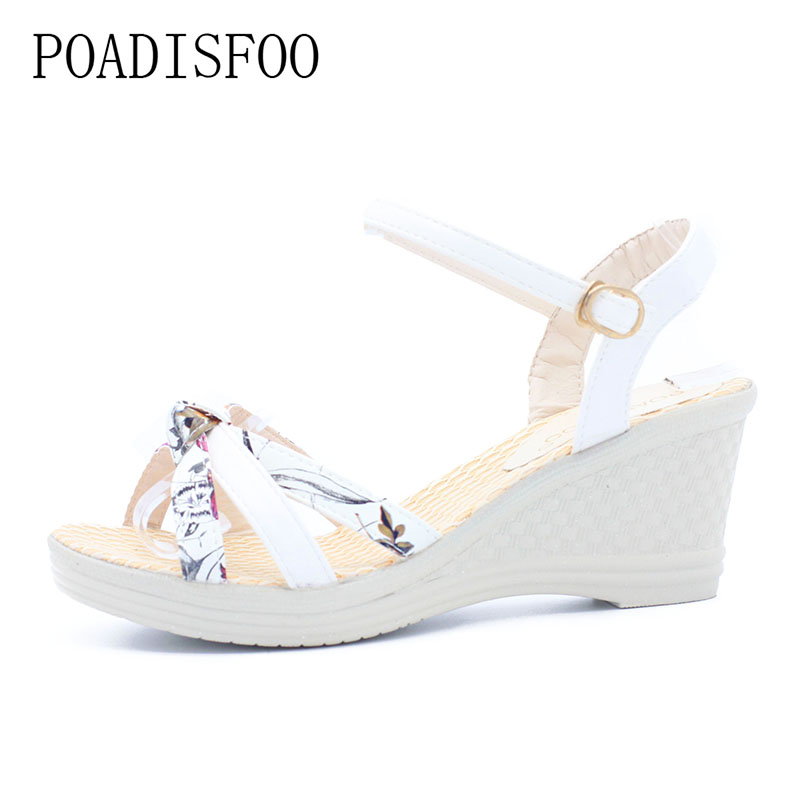 POADISFOO Women Platform Sandals Wedges Metal Button Sandals Buckle Strap Weave Thick Bottom Shoes Plus Size 35~41 .lx-043 цена 2017