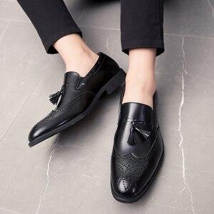 Image 5 - 男性靴のファッションでスタッズリベットローファードレス男性ブローグパーティー除草カジュアルシューズビッグサイズ 48 l4