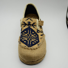 Veowalk Embroidered Women Casual Linen Cotton Unique Shoes