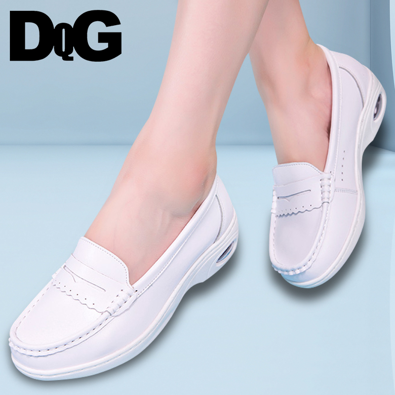 DQG 2018 Summer Women Shoes Nurse Shoes Casual Leather Slip On Career Zapatos Mujer Solid White Flat Platform Chaussures Femme