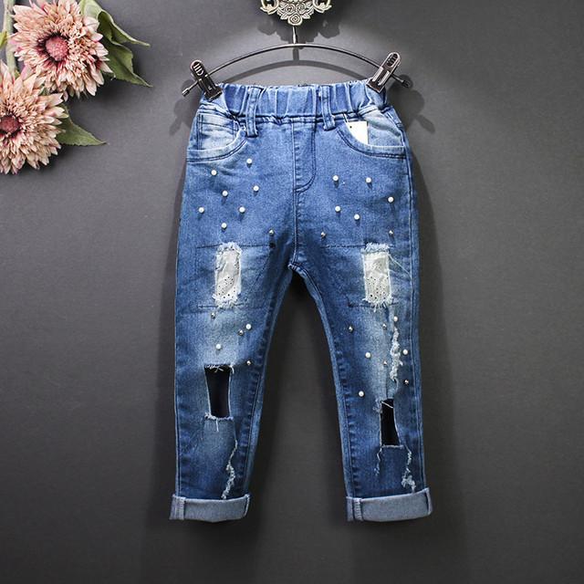 Meninas e Meninos Estilo Verão calças de Brim Calças Do Bebê Dos Miúdos Crianças Moda Denim Longo Calças Crianças pérolas Buraco Rasgado Calças Outerwear
