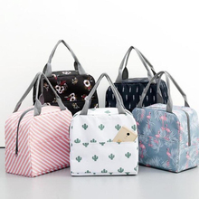 Multifunctional picnic bag lunch bag portable waterproof insulated canvas handbag hot food picnic bag zipper lunch bag female portable rattan print handbag lunch bag office lunch fruit pouch bag lunch handbag picnic insulated food