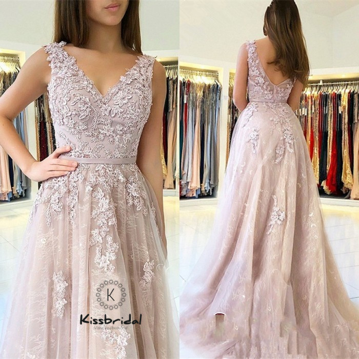 New Bautiful Lace Tulle Evening Dresses 2019 V neck Elegant Applqiued Prom Party Gowns For Women