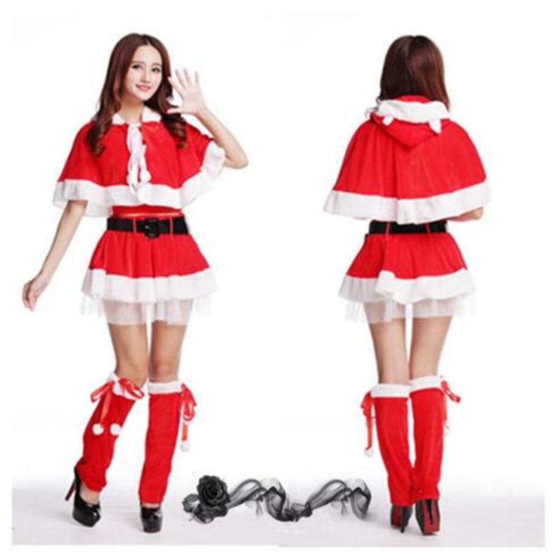 Красное платье и костюмы фото