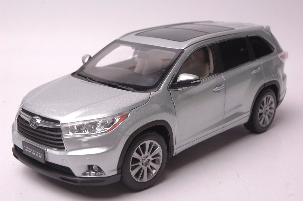 1:18 Diecast Model for Toyota Highlander 2015 Silver SUV Alloy Toy Car Miniature Collection Gifts gold 1 18 bentley bentayga 2015 luxury suv alloy model diecast modell auto scale models