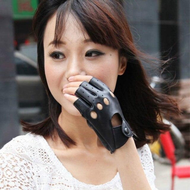 1 pair النساء أزياء بو الجلود الأسود نصف اصبع قفازات كول القلب الجوف أصابع قفازات قفازات الإناث لاستعادة لياقته # 40