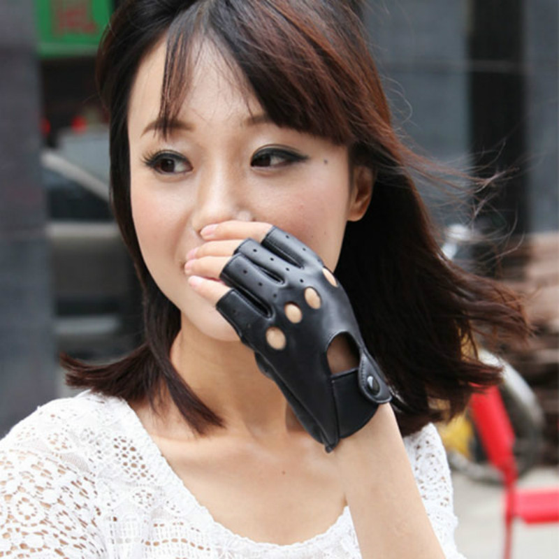 1pair Women Fashion PU Leather Black Half Finger Gloves Cool Heart Hollow Fingerless Gloves Female Gloves For Fitness #40