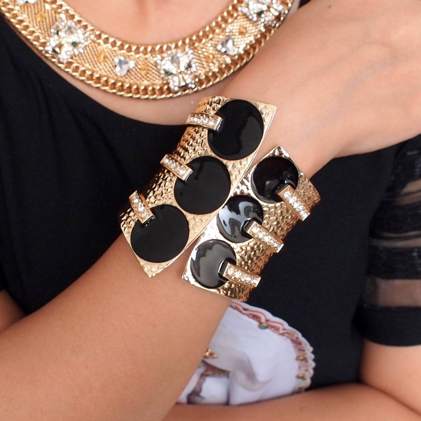 MANILAI Femelle Mode Exagérer Manchette Bracelets En Métal Vernis Noir Strass Femmes Déclaration Bijoux Grand Bracelets Bracelets