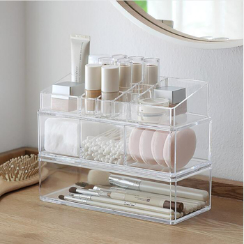 Portable and Transparent Makeup Organizer with Compartments of 18 Grids made of Acrylic for Storage of Beauty Products