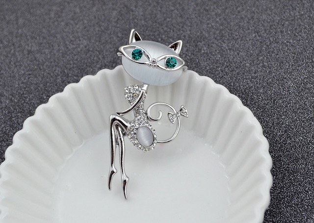 Gold Plated Rhinestone Glasses Sitting Cat Brooch