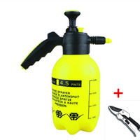 2L Hand Pressure Water Bottle Sprinkler With Pruning Shears Watering Gardening Tools Small Sprayer Garden Family Cleaning A202