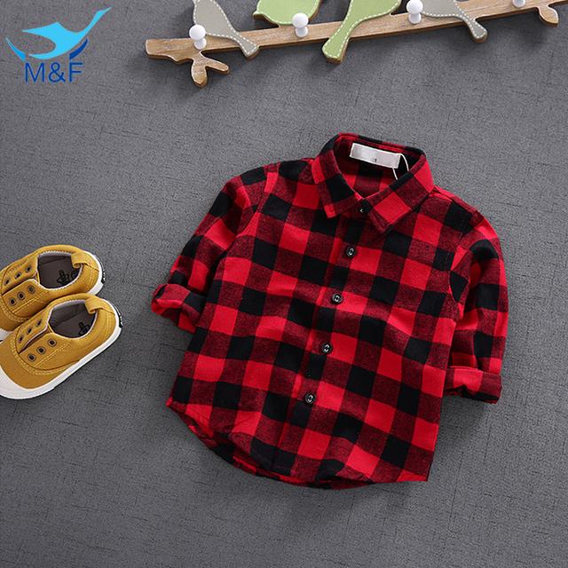 M & f moda blusas cómodas infant baby girl clothing top 100% Camisa Clásica de algodón A Cuadros Rojo y Negro Boy Kids Tee camiseta