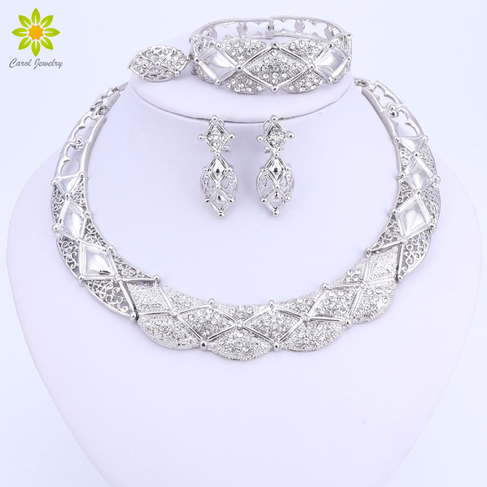 все цены на Africa jewelry sets Dubai Silver Color Jewelry Sets Fashion Nigerian Wedding African Beads Necklace Earrings Set онлайн