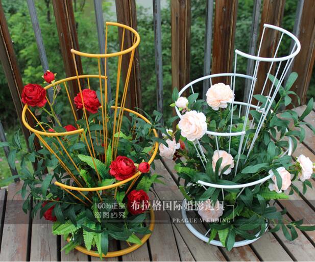 Nouveau accessoires de mariage fer art fleur arrangement guide en forme d'éventail table de mariage fleur design créatif t scène route plomb floral fourrure