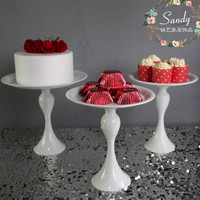 European Style Lace Wedding White Heartshaped Cake Tray Iron Tall Cupcake