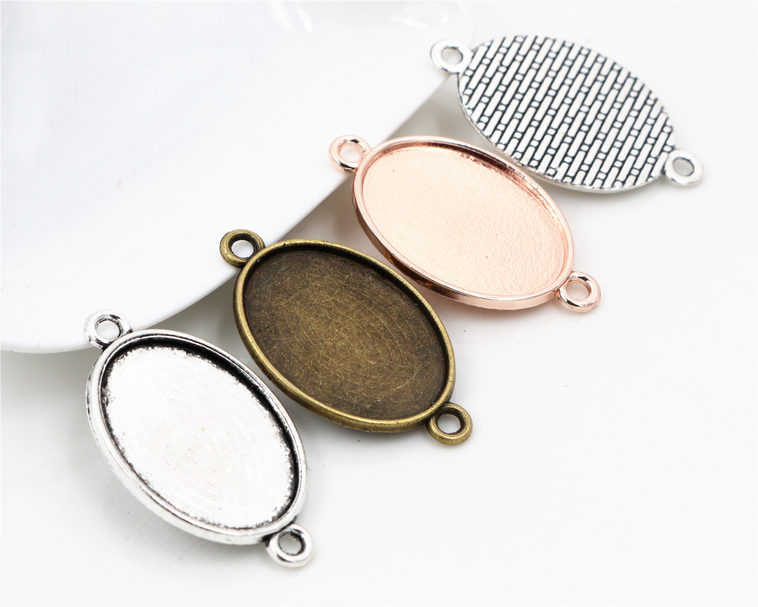 10pcs 18x25mm Inner Size 3 Colors Plated Classic Style  Cameo Cabochon Base Setting Charms Pendant Necklace Findings