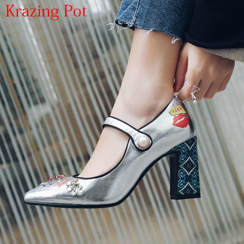 купить Big Size Superstar Brand Wedding Shoes Pointed Toe Shallow High Heels Ankle Straps Flower Rivet Runway Luxury Women Pumps L12 по цене 3962.85 рублей