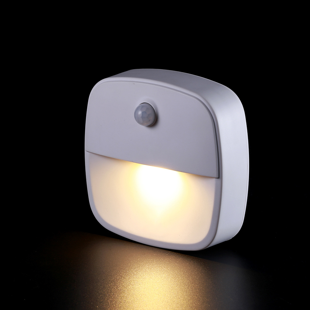 LED Infrared Motion Sensor Wall Lights Night light Battery Operated Dusk-To-Dawn Energy Lamp for Hallway Pathway Staircase Bed