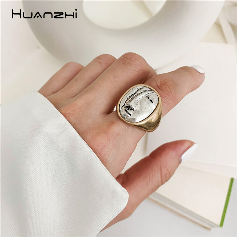 HUANZHI Vintage Exaggeration Portrait Big Round Rings Personality Geometric Finger Rings For Women Girls Party Jewelry Gifts