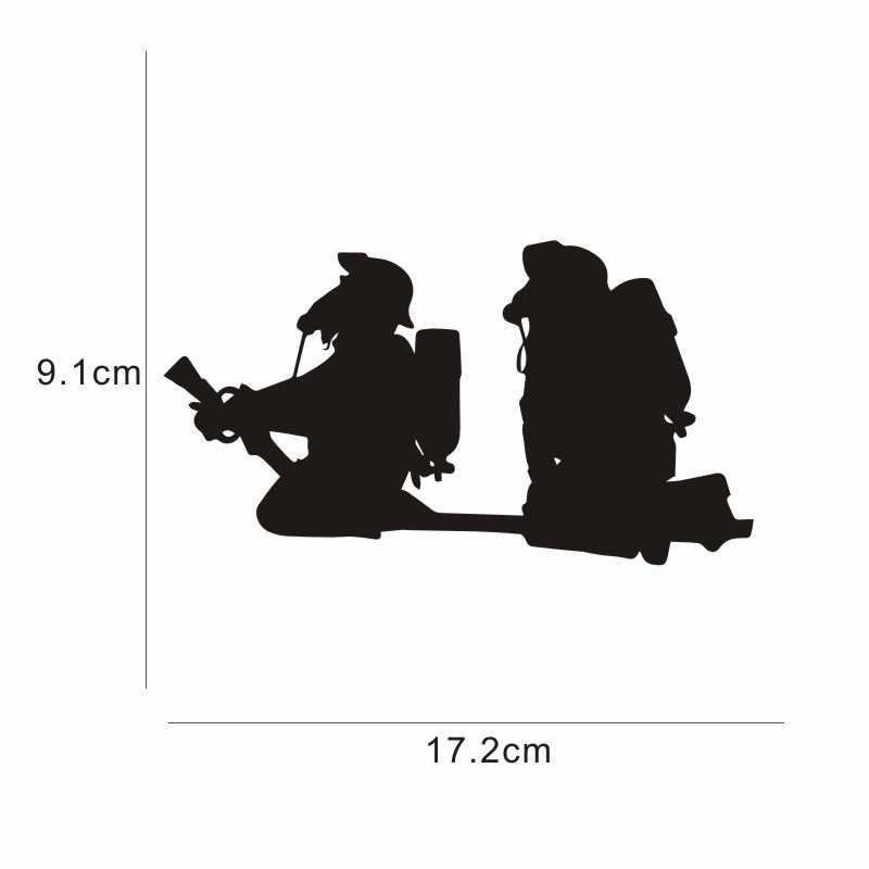 2 ピース/セット漫画消防士ホース火災ビニールデカールオートバイカスタムステッカー 3D 反射防水カスタム 17.2 × 9.1 センチメートル