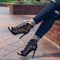 Mulheres Bombas de Marca sapatos de Grife De Salto Alto Recortes Rendas Até Sapatos de Festa Mulher Sandálias Gladiador Das Mulheres Do Dedo Do Pé aberto Sexy Ladies preto