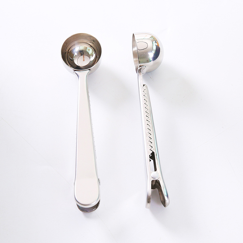 Kesheng 2 cucharas infusoras de t/é con forma de coraz/ón y mango de acero inoxidable con filtros de t/é sueltos de malla fina
