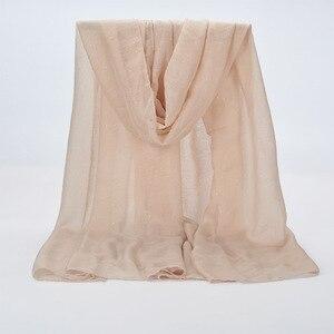Image 4 - 1 pçs liso hijabs para mulher viscose sólida xale glitter ouro cachecol muçulmano cabeça envoltório lenços elegantes plus size hijab cachecol
