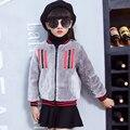 2016 Crianças de Moda Casaco de Pele de Coelho Meninas Do Bebê Outono Inverno Quente Grosso Casaco Curto Outerwear Roupas Casacos Casacos De Pele Sólida