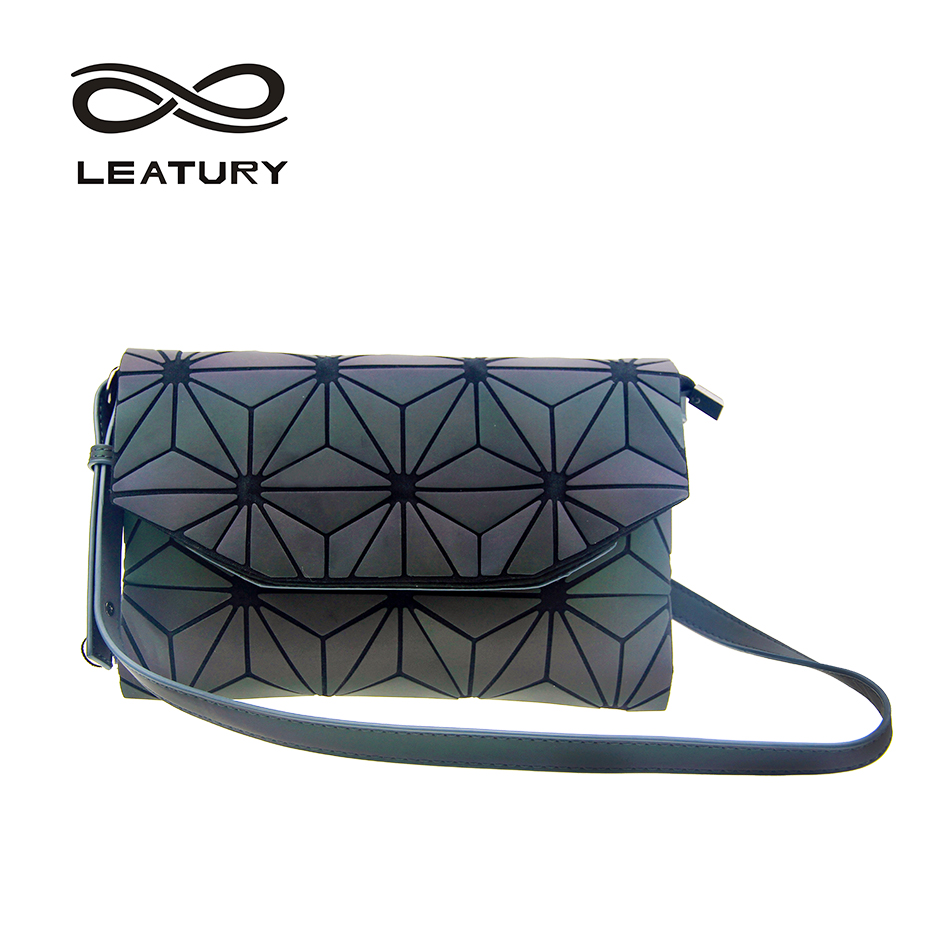 LEATURY Women Shoulder Bags Chameleon Japan Style 2018 New Fashion  Geometric Patchwork Lattice Luminous Envelope Flap 01f46c33bcfa8