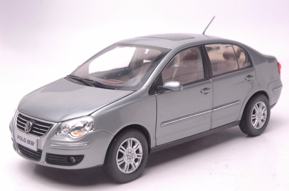 1:18 Diecast Model for Volkswagen VW Polo Jinqu Gray Sedan Alloy Toy Car Miniature Collection Gifts масштаб 1 18 vw volkswagen new cross polo 2012 diecast модель автомобиля оранжевый