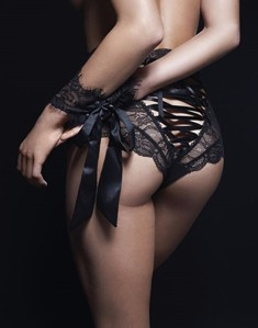 Amazing-Sexy-Panties-Women-High-Waist-Lace-Thongs-and-G-Strings-Underwear-Ladies-Hollow-Out-Underpants