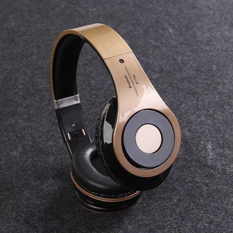 New In-ear headphones Metal low music headphones Universal headphones Sports headphones