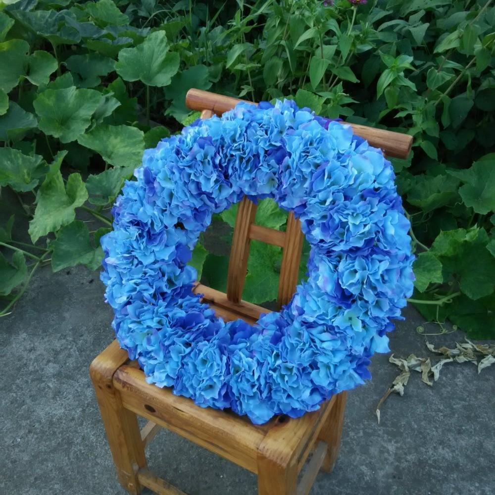 Blaue Blumen Hochzeit Thistle Buttonholes Maria And Eli S Big Day8