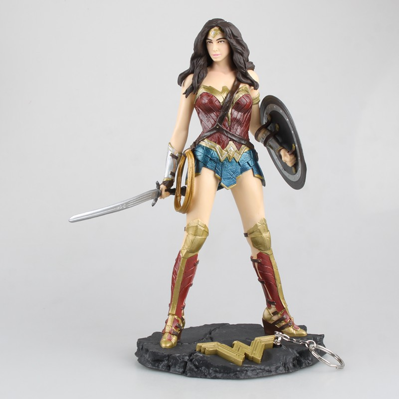 Free Shipping 10 JLA Super Hero Wonder Woman with Keyring Ver. Boxed 26cm PVC Action Figure Collection Model Doll Toys Gift new hot 17cm avengers thor action figure toys collection christmas gift doll with box j h a c g