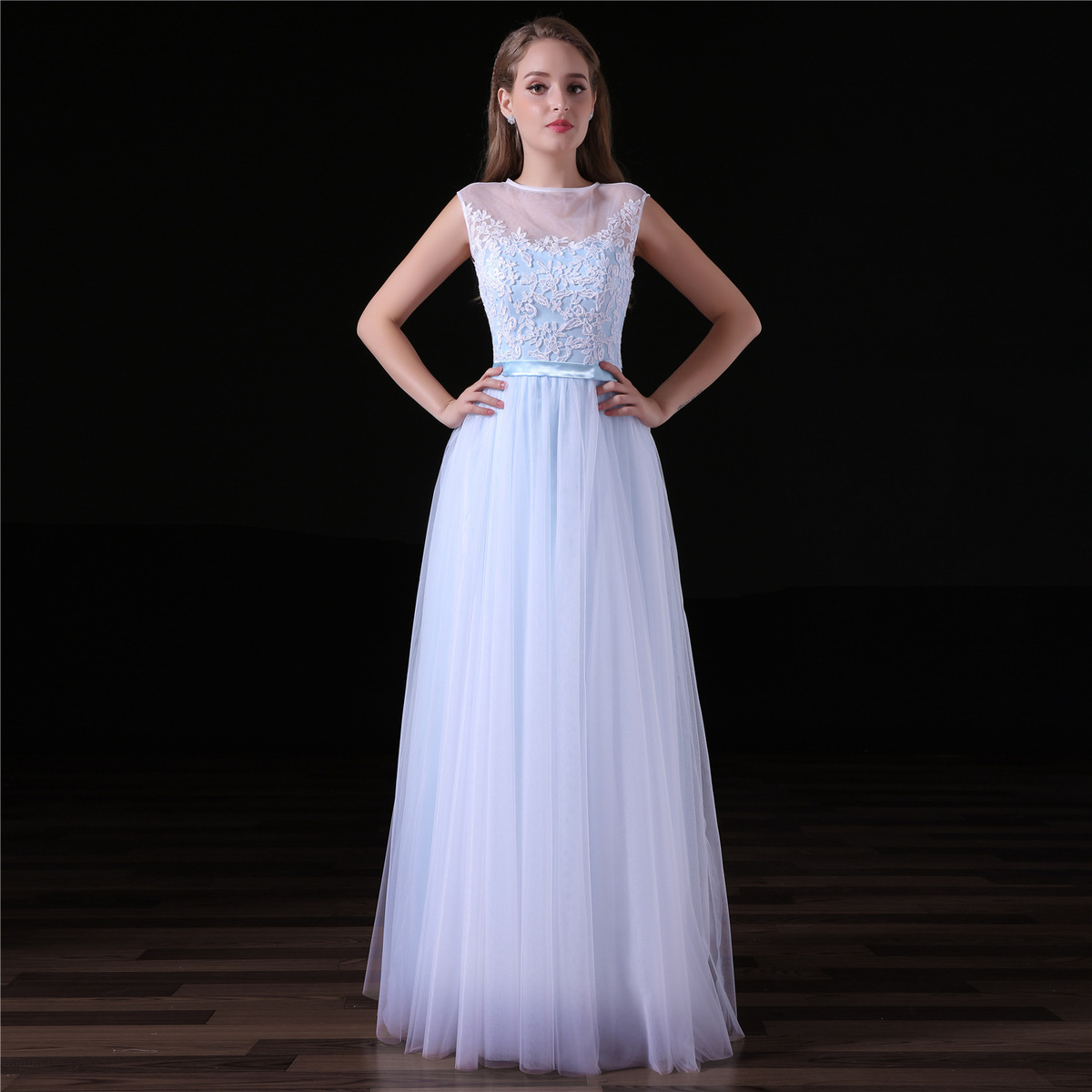 2018 New Simple Long Bridemsaid Dress Lace Top Tulle Skirt