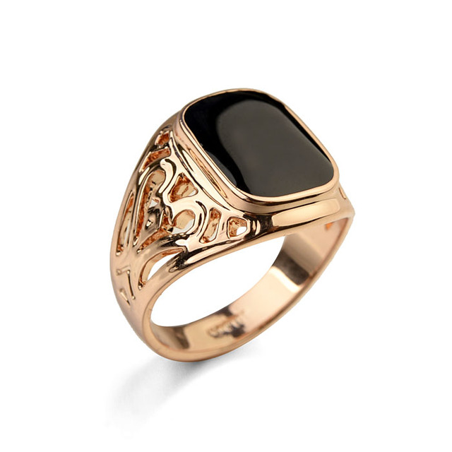 Gold Or Silver Italina Ring With Pattern & Glossy Black Square