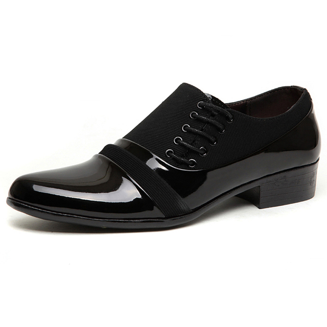 2017 Zapatos Ocasionales de Los Hombres de Cuero Negro Zapatos de Punta estrecha Pisos de Calzado de Moda de Estilo Británico Hombres Zapatos Oxfords