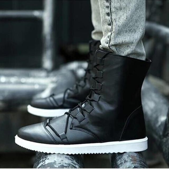Envío gratis 2016 nuevos hombres de moda de invierno botas de Martin botas botas de nieve Hombres zapatos pisos hay color 660