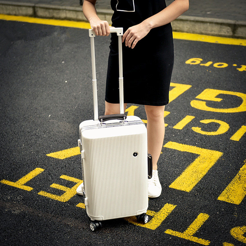 Wholesale!30inch pc hardside case fashion color trolley luggage for male and female ambassor,large capacity safety luggage bags