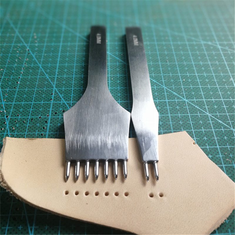 NOUVEAUX Outils En Cuir Traitements Artisanat BRICOLAGE couture poinçon de Fer Piquer 3mm/4mm espacement 2 + 7 Prong