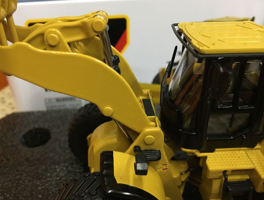 caterpillar cat 980m wheel loader 1 50 scale metal by diecast masters 85543 in diecasts toy vehicles from toys hobbies on aliexpress com alibaba