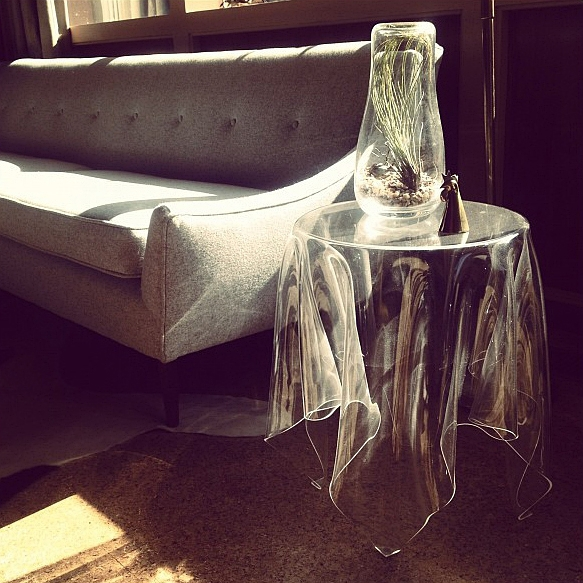 Denmark Essey Illusion Table Ghost Magic Towel Creative Magic Tablecloth  Transparent Acrylic Coffee Table Coffee Table