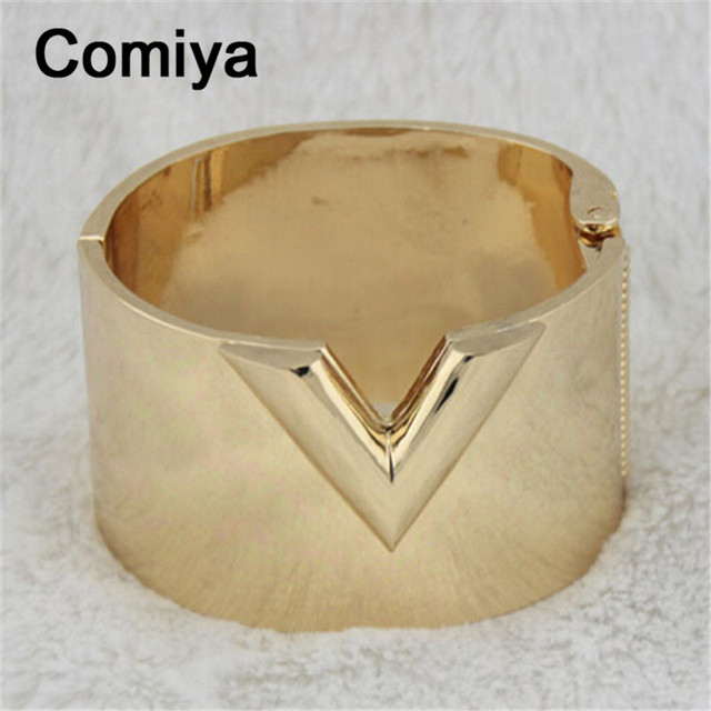 Gold plated zinc alloy wide fashion V bangles wrist jewelry pulseiras feminino bangle bracelet charms pulseira para as mulheres