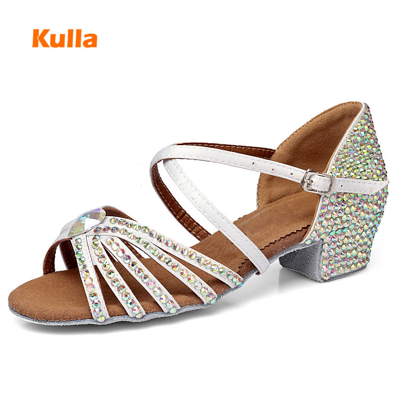 New Girls Rhinestone Latin Dance Shoes Low Heels 3.5cm Soft Sole Children Kids Ballroom Tango Party Dancing Training Shoes White