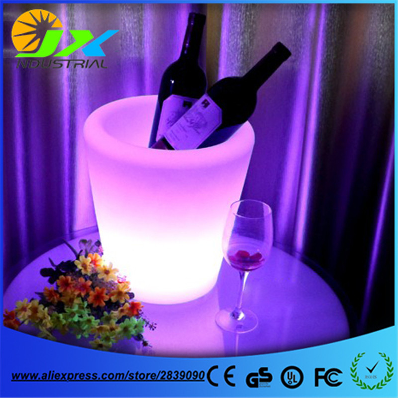 Plastic rechargeable luminous multipurpose POT SQUARE LED flower pot and cube led ice bucket for bar home party decoration