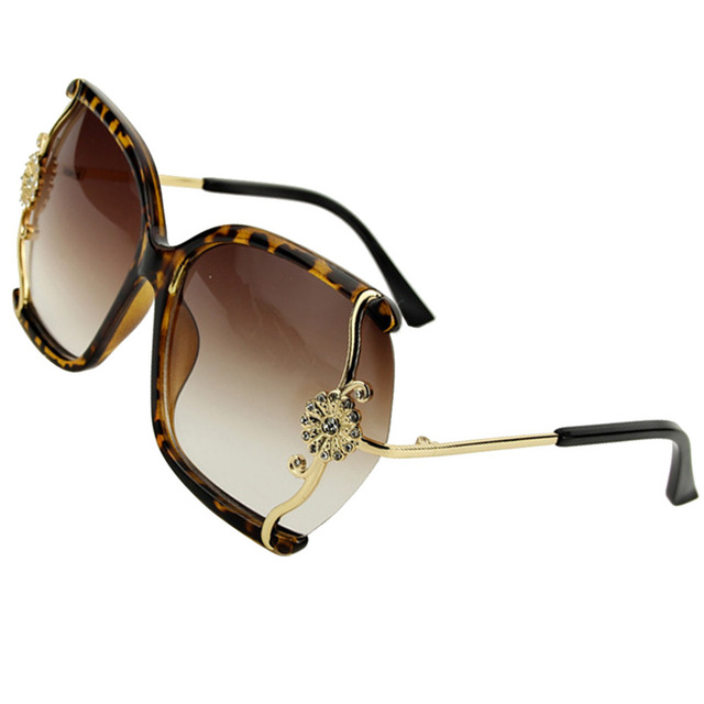Luxury Brand New Women Sunglasses With Fine Lace and Rhinestone Decoration Semi-Rimless Frame Sunglasses Women Outdoor Sumery